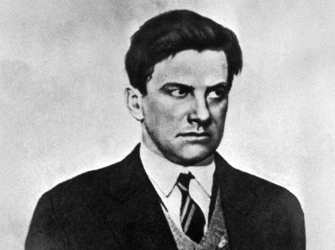 Sovětský básník Vladimir Vladimirovič Majakovskij (1893-1930). Foto: ČTK