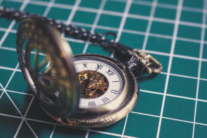 Svět, který se zrychluje tak, že se to vymyká naší kontrole, byl podle Simona Garfielda stvořen právě hodinami a hodinkami. Foto: Shawn Lee