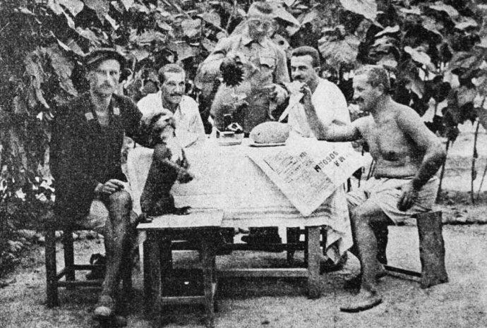 Důstojníci zčeských aslovenských oblastí rakousko-uherské monarchie ve Skobelevu (dnešní Ferganě). Foto:archiv Radima Chrásta