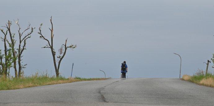 Mikulčice idalší obce na Hodonínsku se pomalu vzpamatovávají zničivého tornáda. Foto:ČTK