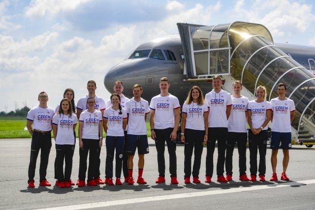 Čeští olympionici před odletem do Tokia. Foto: ČTK