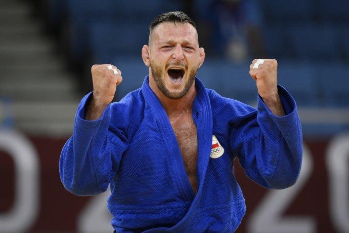 Lukáš Krpálek přiveze domů už druhou zlatou olympijskou medaili. Foto: ČTK/Ondřej Deml