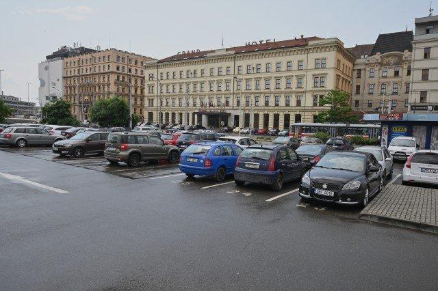 Parkoviště v centru Brna u autobusového nádraží v Benešově ulici, kde má vzniknoutDokumentační centrum holokaustu na Moravě. Foto: ČTK