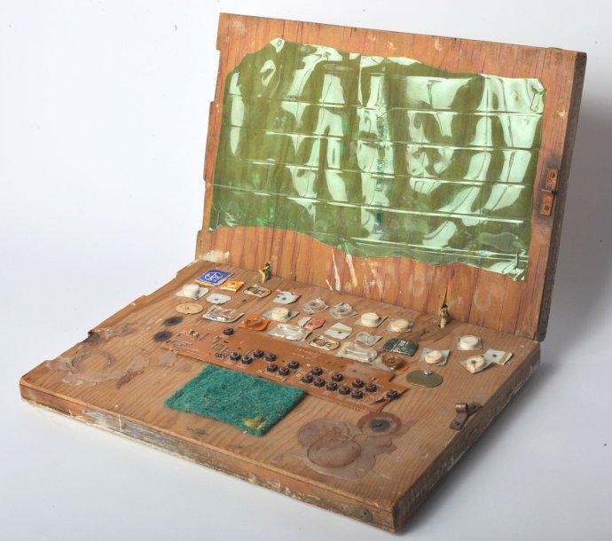 Ekologický dřevěný laptop šetrný k životnímu prostředí. Foto: NTK
