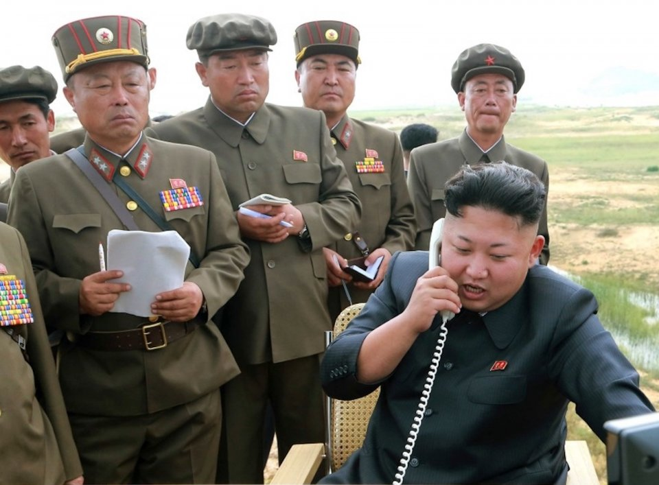 """""""Skrze nedávnou výměnu osobních dopisů padlo rozhodnutí znovuotevřít 'přestřiženou' mezikorejskou komunikační styčnou linku,"""" prohlásila severokorejská zpravodajská agentura KCNA. Foto:KCNA via Reuters"""