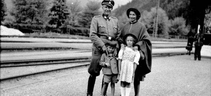 Nacista Wächter sčástí své rodiny. Foto:archiv P.Sandse