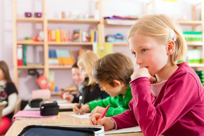 Děti jsou zpět ve škole. Podle srovnávací studie ale ztratily tři měsíce výuky. Ilustrační foto: Adobe Stock