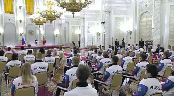 Ruské sportovce přijal před jejich odletem do Tokia prezident Vladimir Putin vKremlu. Foto:kremlin.ru