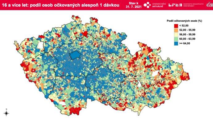 Podíl očkovaných lidí nad 16let alespoň jednou dávkou vjednotlivých obcích ČR. Data: ÚZIS