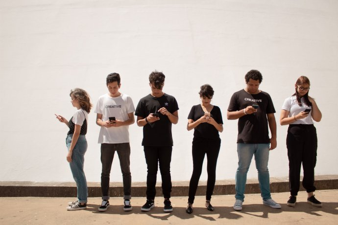 Míra teenagerské osamělosti rostla od roku 2012. Foto: Unsplash