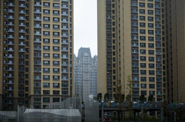Budovy společnosti Evergrande včínské metropoli Pekingu. Dluhy firmy převyšují český hrubý domácí produkt. Foto:ČTK