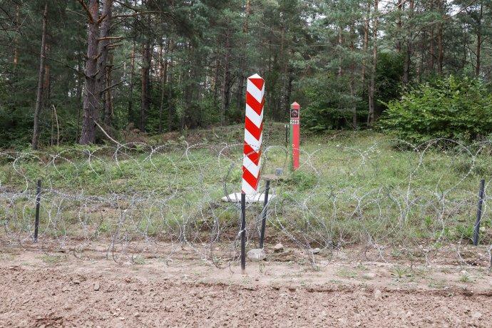 Ostnatý drát na polské straně polsko-běloruské hranice. Foto:polská vláda, govpl