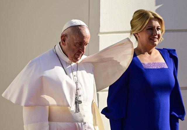 Slovenská prezidentka Zuzana Čaputová vprezidentském paláci přivítala papeže Františka, který je na čtyřdenní návštěvě Slovenska. Foto:ČTK