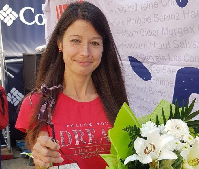 Běžkyně Petra Ševčíková skončila na stokilometrovém závodě Ultra Trail du Mont Blanc třetí. O druhou příčku přišla v posledním kopci, kde jí došly síly. Foto: archiv Petry Ševčíkové