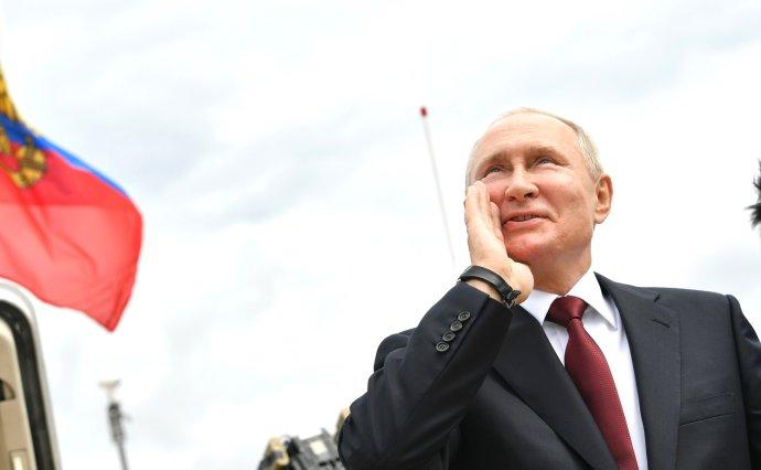 Vladimir Putin na červencové přehlídce námořnictva v Petrohradě. Foto: Kreml, kremlin.ru