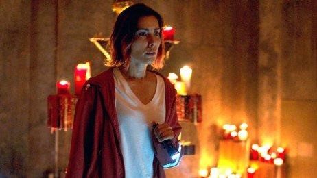 Carly, hrdinka Demoniku, se musí utkat s vražedným ptačím démonem. Foto: Future Gate