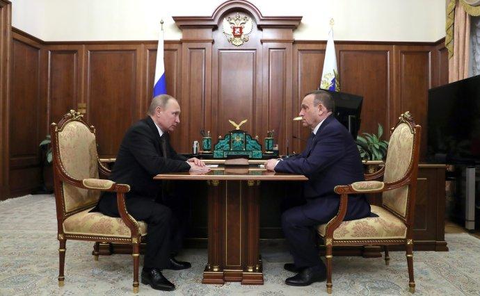 Vladimir Putin poslal vládnout do jedné z nejchudších ruských oblastí Alexandra Jestifejeva, muže s bohatou tchýní. Zdroj: kremlin.ru