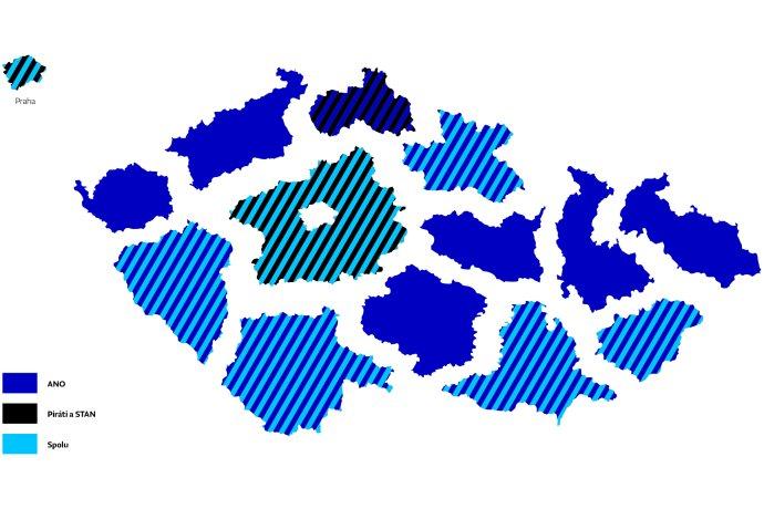 Při sněmovních volbách v roce 2017 zvítězilo ve všech 13krajích aPraze hnutí ANO. Letos tomu může být jinak, favority někde budou i opoziční koalice. Grafika: Deník N