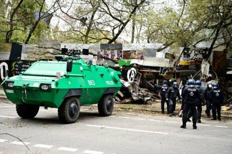 Berlínská policie začala svyklízením tábora Köpi. Foto:ČTK, DPA