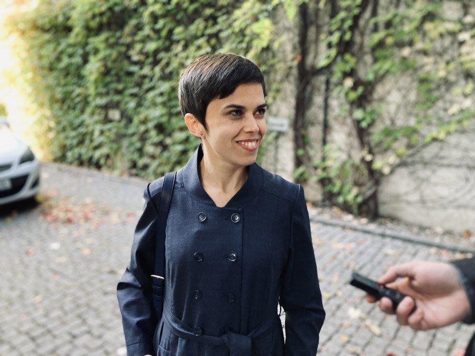 Poslankyně Richterová před vyhlášením voleb. Foto: Prokop Vodrážka, Deník N