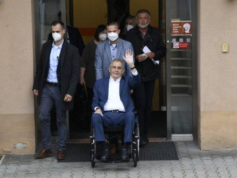 Prezident Miloš Zeman byl v Ústřední vojenské nemocnici hospitalizovaný do 22. září, nyní se tam vrátit odmítl. Foto: ČTK