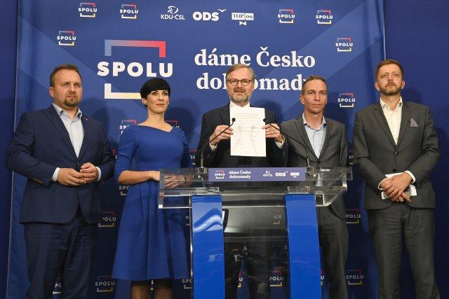 Pětice stran má vůli sestavit novou vládu. Jednání ospolečném programu budou ale těžká. Foto:ČTK