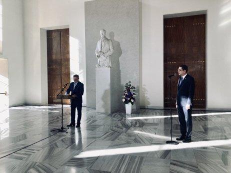 Tisková konference Vratislava Mynáře ke zdravotnímu stavu prezidenta Miloše Zemana. Foto:Prokop Vodrážka, DeníkN